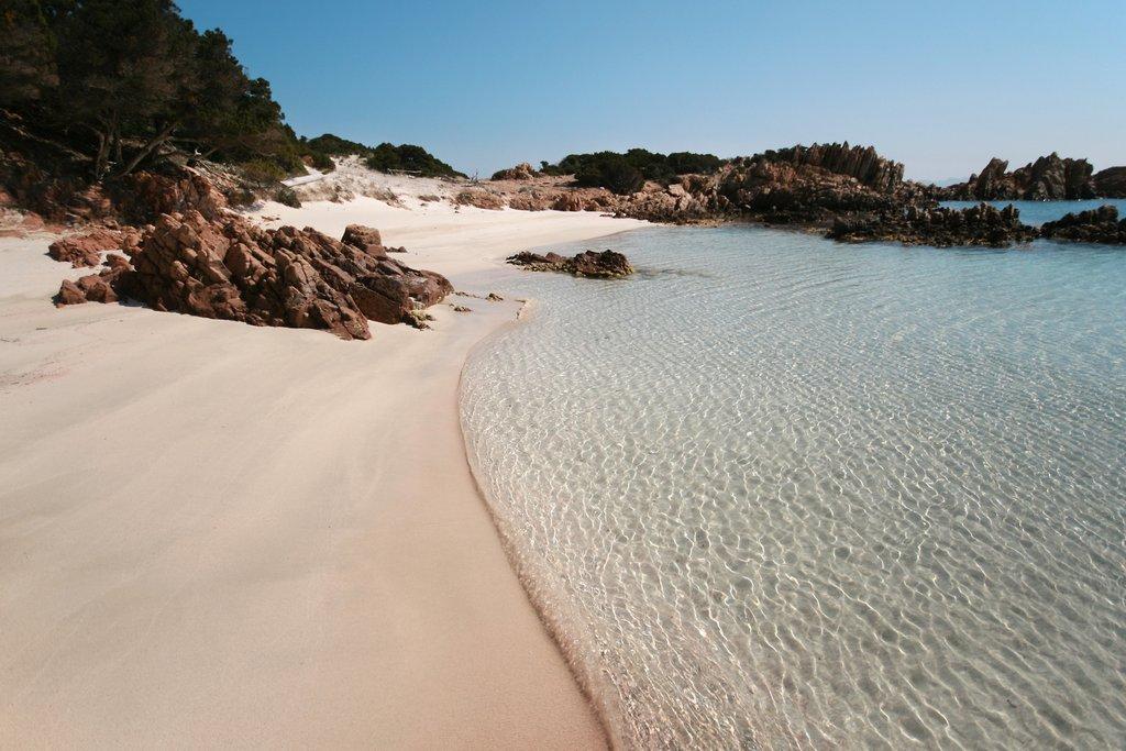 Spiaggia Rosa, Isola di Budelli